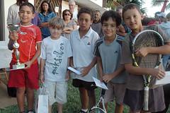Le final du Circuit Vacances 2010 (philippeguillot21) Tags: sport tennis garons boys runion pixelistes nikon
