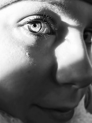 Seaside in her eyes (Debbananas) Tags: bokeh sguardo sight sea iphone6 iphone girl portraiture primopiano portrait greeneyes blueeyes light brighteyes bright eye eyes me
