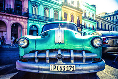 Chevy Habana (Sébastien Turpin Photography) Tags: chevrolet habana havane la havana green vert verde cuba cubaine cubana havanita habanera chrome pare choc canon eos 7d efs1755 mm cubain lifestyle mode de vie vida tierra capital street calle