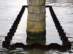 (turgidson) Tags: panasonic lumix dmc g7 panasoniclumixdmcg7 panasonicg7 micro four thirds microfourthirds m43 g lumixg mirrorless x vario 35100mm 35100 f28 hhs35100 telephoto zoom lens panasonic35100 panasoniclumixgxvario35100mmf28 silkypix developer studio pro 7 silkypixdeveloperstudiopro7 raw bray wicklow ireland flood defence protection relief scheme river dargle construction works steel sheet pile piling sheetpiling p1080265