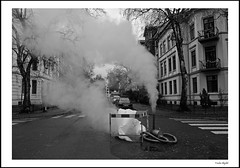 Blow some steam (frode skjold) Tags: steam damp smoke ryk sorgenfrigate oslo norge norway majorstua majorstuen marienlyst street streetphotography blackwhite bw monochrome outdoors fujifilmx20 photoshopelements14