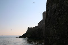looking down seaside wall (mdoughty68) Tags: castle turkey ancient turkiye historical bozcaada