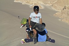 Sandsurf (alobos Life) Tags: chile boy guy de la sand san surf desert valle arena muerte pedro atacama desierto dunas sandsurf