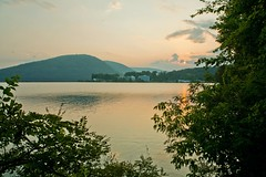 Hudson Valley sunset (Lojones13) Tags: sunset mountain water river bearmountain hudsonriver