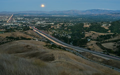 super moon traffic (pbo31) Tags: california sunset summer panorama dublin color green evening nikon highway view traffic over large august panoramic hills vista eastbay stitched alamedacounty 580 2015 lightstream boury pbo31 d810 supermoon dublinhillsregionalpark