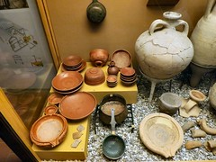 A visit to Saalburg Roman Museum (John McLinden) Tags: bowl amphora bowls kitchenware stainer saalburg amphorae mortaria saalburgmuseum saalburgromanmuseum romankitchenware