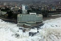 VALPARAISO : Vista Aérea de Hotel Sheraton (VIÑA'2006) Tags: chile sea valparaiso mar temporal vistaaérea marejadas regionvalparaiso