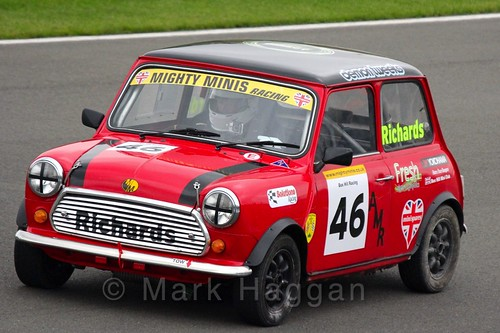 Alastair Richards in Mighty Minis at Donington Park, October 2015