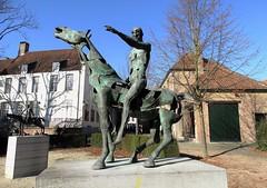 Rik Poot - Ruiter van de Apocalyps (2) (drager meurtant) Tags: sculpture bronze belgium brugge bruges sculptor horseman apocalyps rikpoot