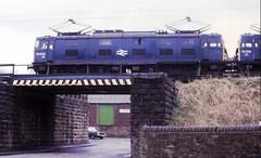 Platt Street Bridge, Hadfield  18th March 1981  with 1500v DC EM1 Electric Locomotives No. 76009 & 76014  (steamdriver12) Tags: electric manchester march dc no sheffield railway 18th line 1981 locomotives woodhead hadfield 1500v 76009 76014