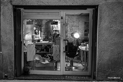 out BCN (dib, l'home dibuixat) Tags: street bw monochrome blackwhite facades monochromatic highlights barbershop hola blancinegre inthecity lhomedibuixat zuiko1240mmf28pro outbcn olympusomd5mii