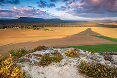 Zirkelstein  shadow (karsten.bretschneider) Tags: sunrise canon germany landscape eos switzerland saxony usm efs 1022mm bohemian f3545 50d saxonian