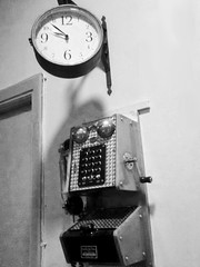 FERROL - Another time (LUAL audiovisual) Tags: ferrol bar reloj time tiempo clock telfono telephone phone machine public servicio pasado past hora agujas nmeros teclas cine cinema reliquia historia history invento auricular cabina telefonista llamada call sociedad culture cultura