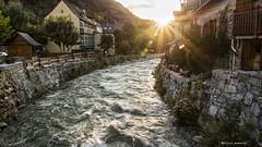 2203  Atardecer en Arties, rio Garona, V alle de Aran (Ricard Gabarrs) Tags: agua rio rios water arties garona cauce ricardgabarrus sol pustadesol atardecer olympus ricgaba