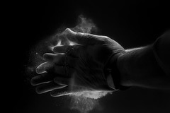 ..handclap.. (Antonio Iacobelli (Jacobson-2012)) Tags: handclap applauso quadralite flash strobist nikon d5 nikkor 60mm bari hand hands mani bw borotalco powder