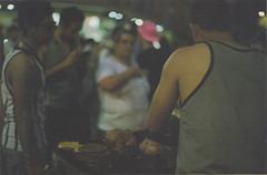 Patty (decomponiendo) Tags: marcha orgullo patty hamburguesa calle comida gente baires ba food street