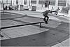 Patineta (Skateboard) (Samy Collazo) Tags: canon20d canoneos28105usmanalogo patineta skateboard plazadelquintocentenario sanjuan oldsanjuan viejosanjuan puertorico bn bw lightroom aviary niksilverefexpro2 streetphotography fotografiacallejera