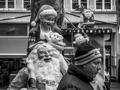 #ChristmasMarket #StreetPhotography (SibretManu) Tags: streetphotography luxembourg portrait street black white bw noir et blanc monochrome candid going moments decisive moment creative commons flickr flickriver explore eyed eye scene strassenfotografie fotografie city square squareformat photography bwartaward christmasmarket