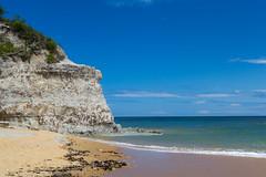 Praia do Espelho (portelarenan) Tags: 35mm atlanticocean bahia beach brazil cliff cloud landscape nikon nikon3100 outdoor photography portoseguro praiadoespelho relaxing sea sky summer trancoso trip