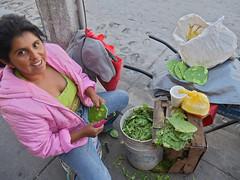 Nopal (Tahia Hourria) Tags: street people smile de mexico calle femme mexican nora travail mexique sonrisa rue sourire feuille figuier nopal barbarie aitaissa atassa