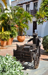 Cartagena, old town (aktoews) Tags: sculpture colombia ciudad oldtown cartagena walledcity caribbeancruise amurallada eduardocarmona