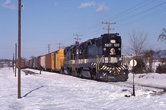 SOU0174 (ex127so) Tags: va 1978 edinburg sou gp382