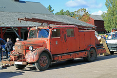 1945 Volvo LV 127 DS Fire engine (crusaderstgeorge) Tags: red fire volvo sweden ds engine 127 sverige 1945 lv fireengines högbo 1945volvolv127dsfireengine