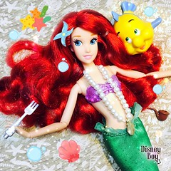 Look at this stuff, isn't it neat? ✨🐠💦❤️💛 #Disney #TheLittleMermaid #Ariel #PartOfYourWorld 💙🌊 (jlantistoys) Tags: classic ariel photography doll dolls disney collection collector disneystore disneyprincess thelittlemermaid partofyourworld