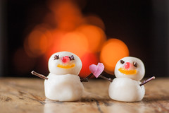 A falta de nieve... (Nathalie Le Bris) Tags: christmas chimney fire navidad snowman fuego nol nadal feu chemine chimenea bonhommedeneige foc hombredenieve merryclick