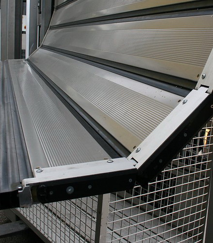 Швидкі надійні ворота SST Efaflex із захистом від пошкоджень