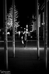 street_stuttgart-1475 (Joe M. Photography) Tags: street city people urban blackandwhite white black graffiti blackwhite stuttgart strasse human 0711 streephotography stuggi strassenfotografie strasenfotografie