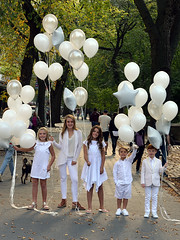 Kids on Fifth (Eddie C3) Tags: newyorkcity fifthavenue centralpark balloons nyc nycparks sidewalkstories