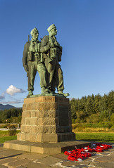 Spean Bridge (Kev Gregory (General)) Tags: the sun sets commando memorial spean bridge scottish highlands overlooking tributes lost fallen commandos recent more dated statues stand stark backdrop ben nevis aonach mr category a listed monument scotland dedicated men british forces world war ii situated village overlooks training areas depot established 942 achnacarry castle unveiled queen mother united kingdom tourist attraction kev gregory canon 7d scenic mountain