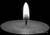 Llama solitaria (J.Gargallo) Tags: blancoynegro blackwhite blackandwhite blanconegro byn bw llama vela luz minimalismo monocromático macro veladeté cera light flame wax castellón comunidadvalenciana canon canon450d castellóndelaplana eos eos450d 450d