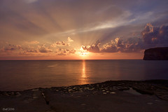 perfect (leaving-the-moon) Tags: 201609 cloud clouds colors farbe goodlight gozo himmel maltagozo sky sonnenuntergang sun sundown wolken xlendi xlendibay