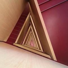 Hueco (Inda Agudo (Ferrari X)) Tags: zaragoza escalera perspectiva hueco caixaforum triangulo profundidad afz desafioafz150901