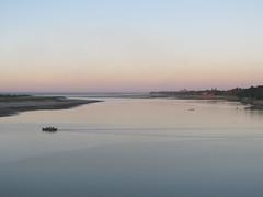 "New Bagan: coucher de soleil sur le fleuve Irrawaddy <a style=""margin-left:10px; font-size:0.8em;"" href=""http://www.flickr.com/photos/127723101@N04/22649706804/"" target=""_blank"">@flickr</a>"