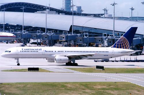 Continental Airlines | Boeing 757-200 | N29129 | Osaka Kansai