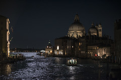 SuperMoon's Light on the Grand Canal (U1D2X) Tags: venezia venice gran canal grande luna bigmoon moon 14112016 supermoon super