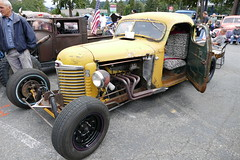 1949 International (bballchico) Tags: 1949 ih internationalharvester pickuptruck hotrod kb6 jonhaynes chopped ratbastardscarshow carshow 40s 206 washingtonstate