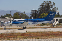 N832UP (SoCalSpotters) Tags: gaj vny kvny socalspotters vannuys wheelsup beechcraft kingair350