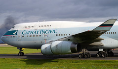 Cathay Pacific 747-467(ER) B-HUI. 27/10/16. (Cameron Gaines) Tags: cn27230firstflewateverettonthe3rdofjune1994priortobeingdeliveredtocathaypacificairwaysasvrhuionthe1thofjune1994theaircraftwasreregisteredbhuionthe1stofseptember1997afterhongkongbecameindependentfromtheuni endingitsdaysflyingaroundasiatheaircraftwaswithdrawnfromuseonthe30thofseptember2016andstoredathongkonghkgtheaircraftarrivedatmanchestertodaybeforedepartingonitslastflighttomorrowmorningafter224yearsitsday cathay pacific airways boeing 747467 bhui taxiing down alpha after arriving from hong kong cx3337 the aircraft will depart for bruntingthorpe tomorrow be scrapped 271016 united kingdom uk vrhui everett america usa states seattle man egcc 23r september 2016 last flight morning remote arrival landing world globe cx cpa green