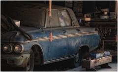 Kind of Blue (Eric@focus) Tags: shed rusty old barn oldtimer blue dust kindofblue flickrsbest