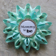Baby boy shower pins! http://buff.ly/2eHAETl #etsy #babies #baby #moms #newmom #pregnancy #babyshower (petalperceptions.etsy.com) Tags: etsy smallbiz flowers jewelry