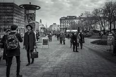 (ivmi, Budapest HU) Tags: budapest hungary men mono fuji fujifilm fujix x70 streetphotography street lifeinbw