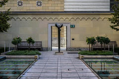 A Place of Tranquility (*Capture the Moment*) Tags: 2106 architecture architektur buildings courtyard facades fassaden gebude innenhof kunstkultur sculpture skulptur sonne sonya7m2 sonya7mii sonya7ii sun wetter zeissbatis1885