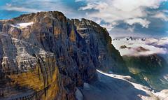 a mani nude (art & mountains) Tags: alpi alps dolomitidibrenta rifugiobrentei cime vette calcare roccia dolomia climbing arrampicata hiking trekking cielo spazio nuvole emozione silenzio contemplazione simbiosi natura sublime vision dream spirit pareti cenge
