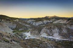 Patagonia inmensa (Mauro Esains) Tags: patagonia patagónica cerros arbustos atardecer arcilla tierra aire libre paisaje chubut vegetación piedras cañadón cielo majestuosa inmenso relieve horizonte
