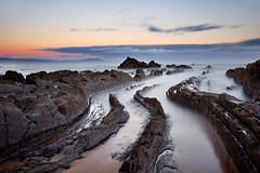 Flysch - Playa de Barrica (Diego M.C) Tags: flysch basquecountry paisaje playa landscape beach sunset barrika paisvasco marcantábrico largaexposición longexposure amanecer colors 1810 filtros filters haida nature nubes clouds costa coast coastline holder densidadneutra neutraldensity graduated diegomora cala d90 nikon le largaexposicion dawn seascape sunrise nublado cloudy mar sea marina waterscape stones piedras rocks rocas spain españa bestcapturesaoi