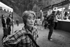 参拝祈願 (harumichi otani) Tags: bw monochrome japan streetphotography streetphoto saitama bwphotography japanphotography japanstreetphotography japanbwphotography